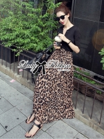 Lady Ribbon V-Neck Black Top and Leopard Pleated Maxi Skirt Set