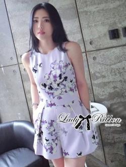 Lady Ribbon Jumpsuit จั๊มสูทขาสั้น พิมพ์ลายดอกไม้สีพาสเทล