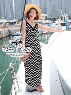 Black&White Zigzag Maxi Dress แม็กซี่เดรสสายเดี่ยว โทนขาวดำ