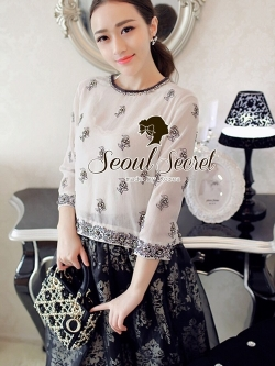 Seoul Secret เสื้อผ้าชีฟองผสมซิลค์ แต่งดอกไม้สีเงิน