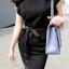 Classic Style เดรสสีดำ ผ้าชีฟอง พร้อมเชือกผูกโบว์ที่เอว thumbnail 5