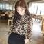 เสื้อผ้าไหมชีฟอง พิมพ์ลายเสือดาว Leopard กระดุมหน้า ไม่มีซับใน สีน้ำตาล thumbnail 2