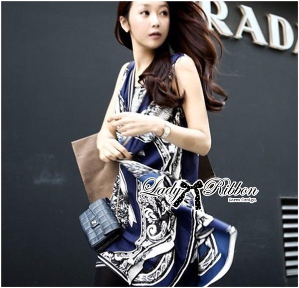Lady Ribbon เสื้อคลุมเดรส ผ้าพิมพ์ลายสุดหรู สีน้ำเงิน