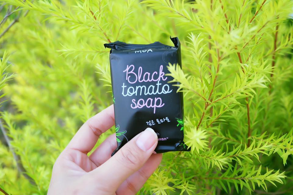 MOA Black Tomato Soap 70 g. โมเอะ สบู่มะเขือเทศดำ เพื่อผิวขาวใส