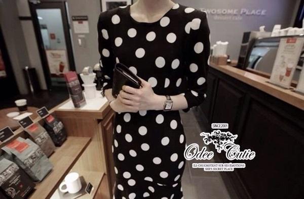 Black & White Dot Dress เดรสสีดำลายจุดสีขาว ทรงเข้ารูป