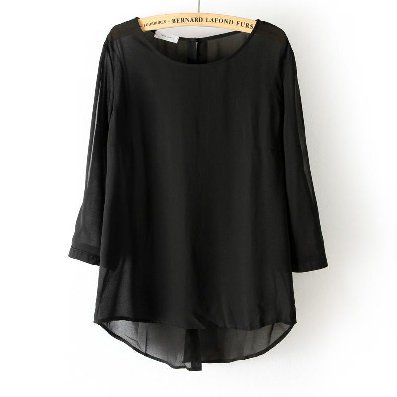 เสื้อแขนยาว ผ้าไหมชีฟอง แต่งหมุดสีทองด้านหลัง สีดำ สีขาว