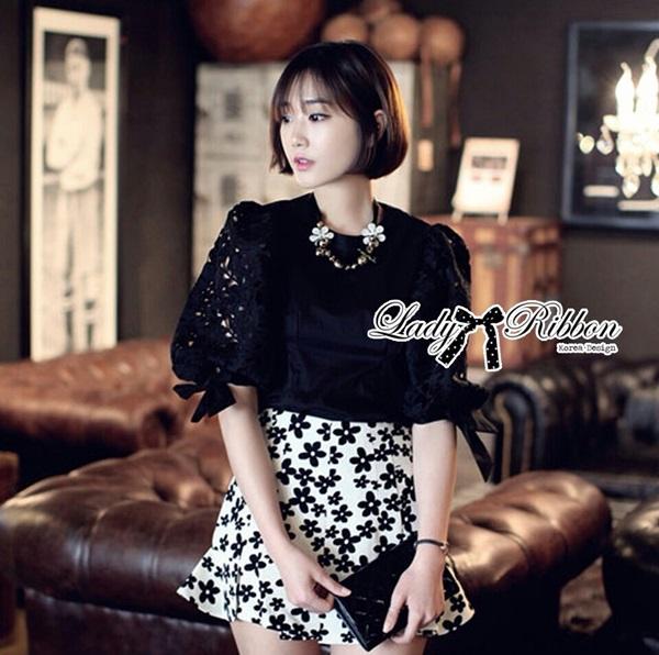 Lady Ribbon เสื้อผ้าคอตตอนตัดต่อผ้าลูกไม้ช่วงแขน สีขาว สีดำ