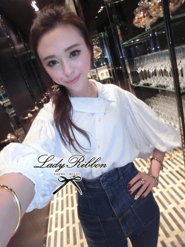 Lady Ribbon เสื้อเชิ้ตสไตล์สาวเกาหลีปกข้าง สีขาว-สีดำ