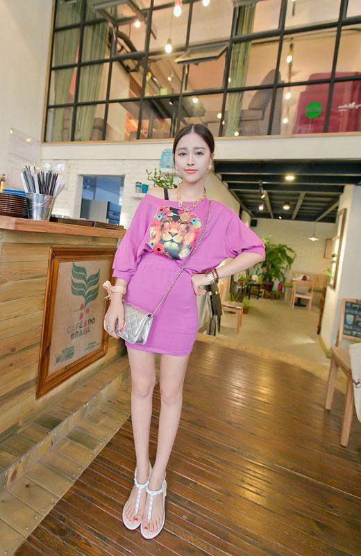 ชุดเสื้อและกระโปรงสั้น สีม่วง พิมพ์ลายหน้าเสือ
