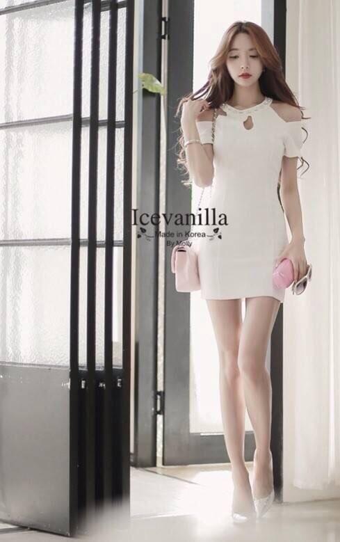 Icevanilla เดรสสไตล์ luxury แต่งด้วยเม็ดเพชรคริสตัล