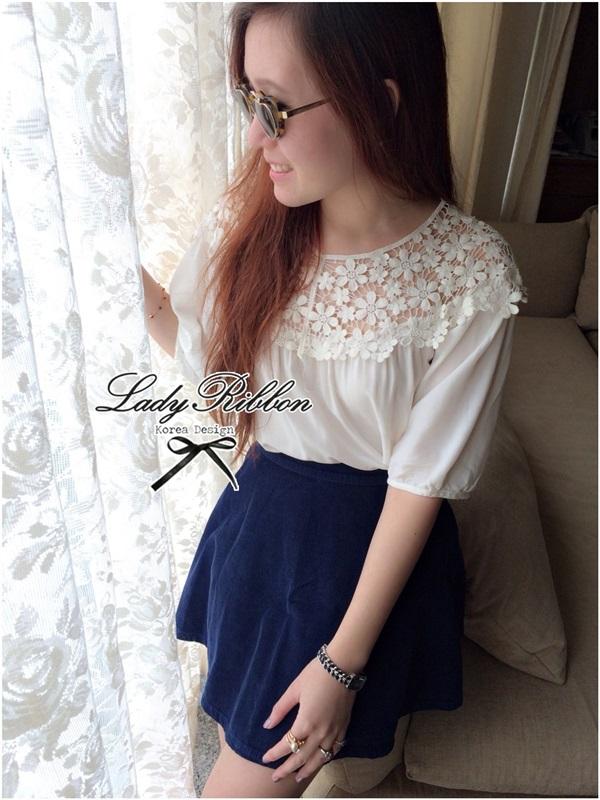 Lady Ribbon เสื้อผ้าคอตตอน สีชมพู ขาว กรมท่า ปักลายดอกไม้