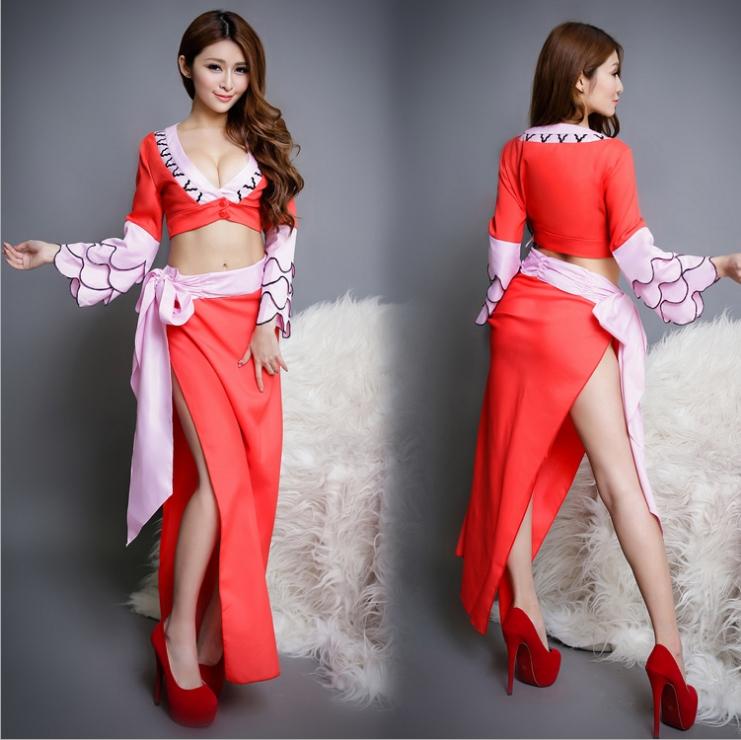 ชุดกิโมโนแฟนซี,ชุดยูกาตะแฟนซี,ชุดคอสเพลย์ญี่ปุ่น เสื้อตัวสั้นแหวกอกแขนยาว พร้อมกระโปรงยาวผ่ายาวถึงเอว สีแดงสดสลับชมพู น่ารักเซ็กซี่สุดๆ