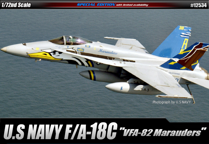 AC12534 F/A-18C U.S NAVY VFA-82 1/72