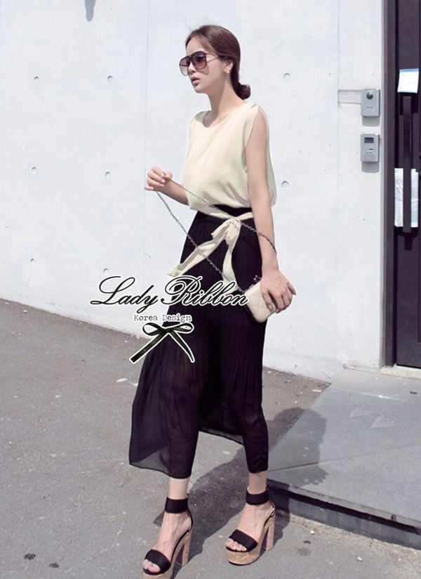 Lady Ribbon Maxi Dress เดรสยาวโทนสีครีมดำ ผูกโบว์