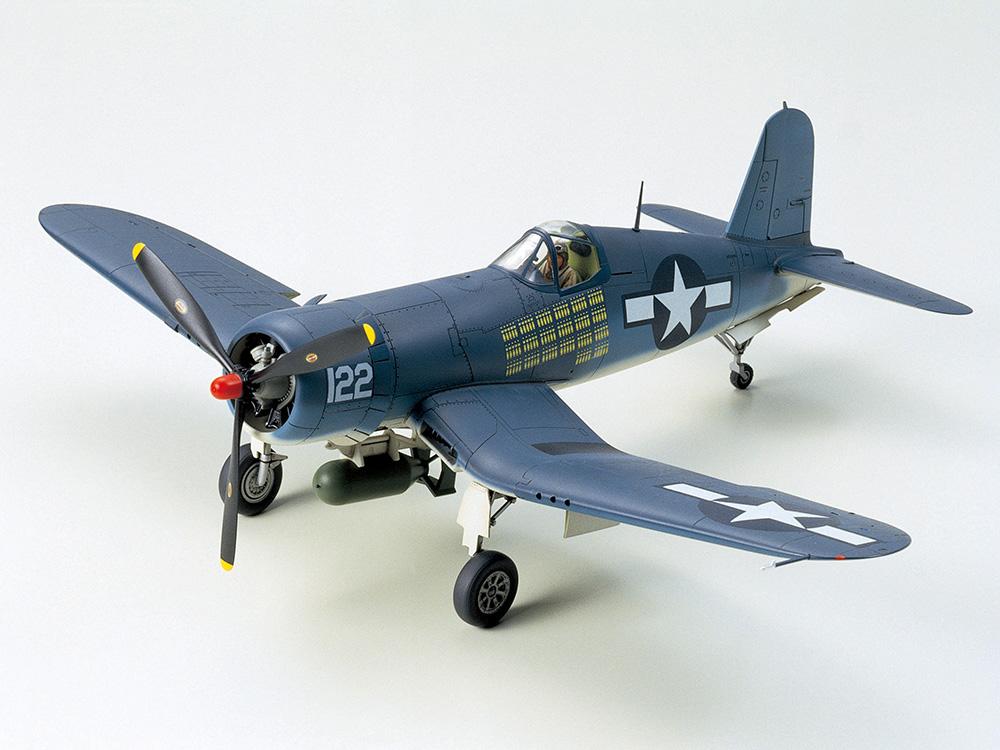 TA61070 Vought F4U-1A Corsair 1/48