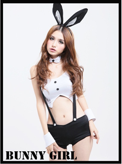 ชุดแฟนซี กระต่ายน้อย bunny girl เสื้อครอบตัวสั้นขาวกระดุมดำ+กางเกงเอี๊ยมสั้นจุ๊ด+ปลอกข้อมือ+ปลอกคอโบว์และหูกระต่าย