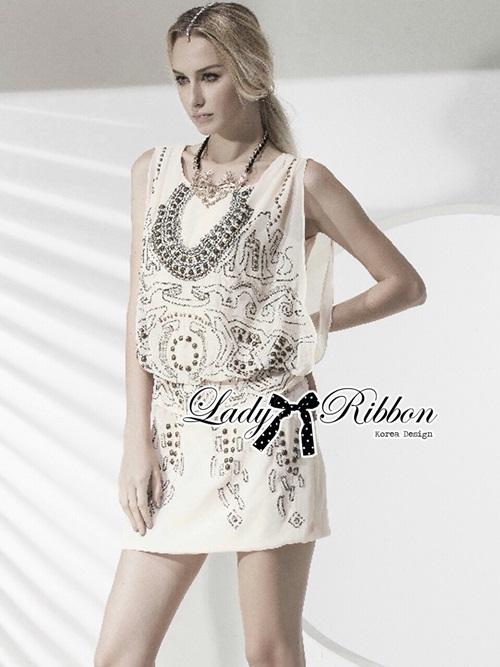 Lady Ribbon เดรสผ้าชีฟองปักลาย สีครีม