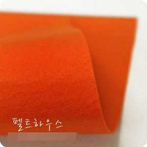 ผ้าสักหลาดเกาหลีสีพื้น hard poly colors 826 (Pre-order) ขนาด 90x110 cm/หลา