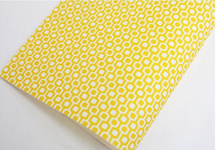 ผ้าสักหลาดพิมพ์ลายรังผึ้ง จากเกาหลี ขนาด 1 mm Size 45x30 cm / ชิ้น (Pre-order)