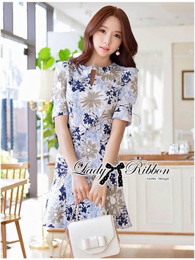 Lady Ribbon Dress เดรสแขนสั้น ลายดอกไม้สีฟ้าและน้ำตาล