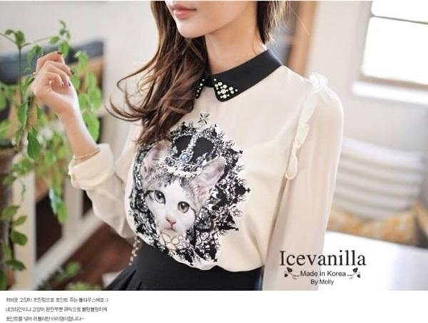 Icevanilla เสื้อแต่งด้วยผ้าพิมพ์ลายหน้าแมวประดับมุกและลูกปัด