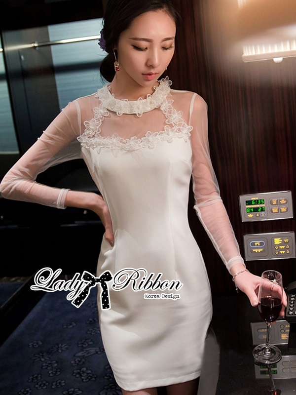 Lady Ribbon White Floral Embroidered Dress