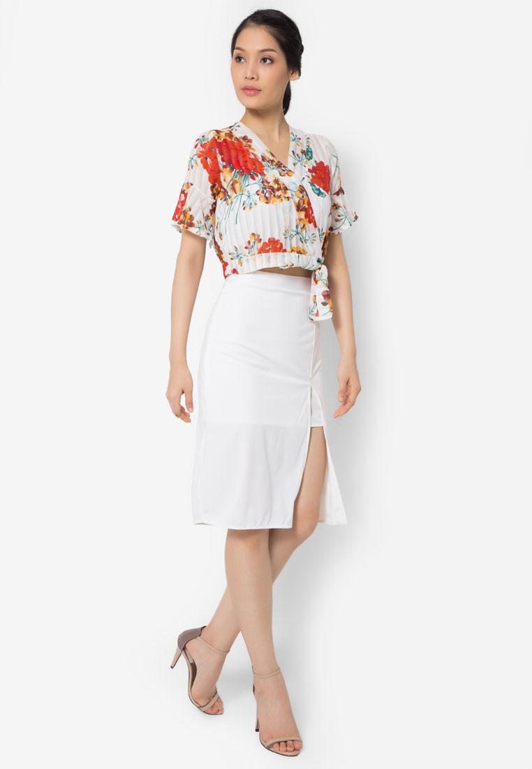 เซ็ตเสื้อเบลาส์และกระโปรง Flowery Lady