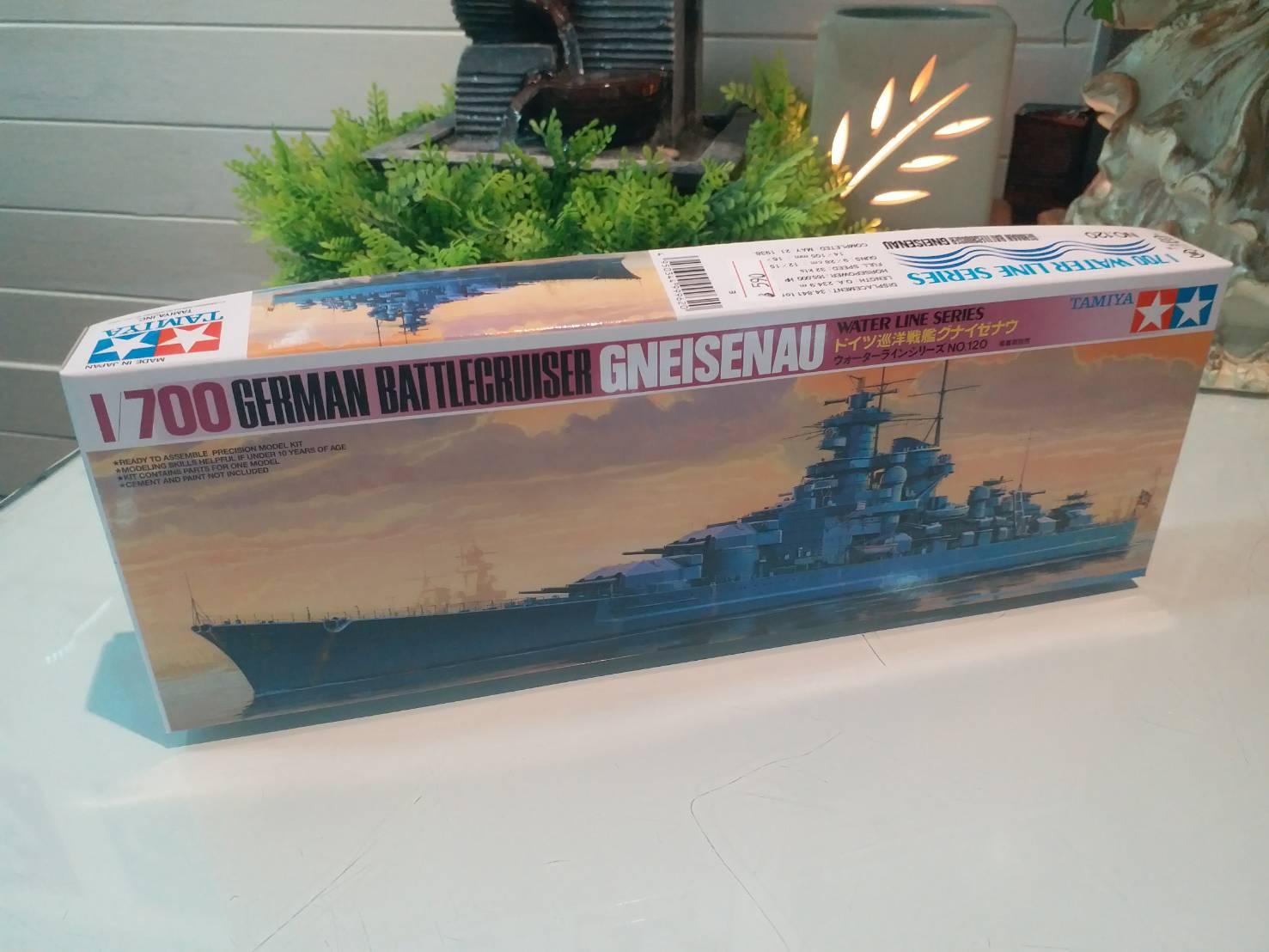 TA77520 German Gneisenau Battleship 1/700