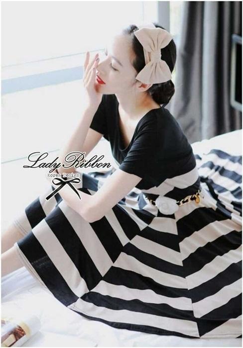 Lady Ribbon Stripe Mini Dress มินิเดรสลายขวางครีม-ดำ