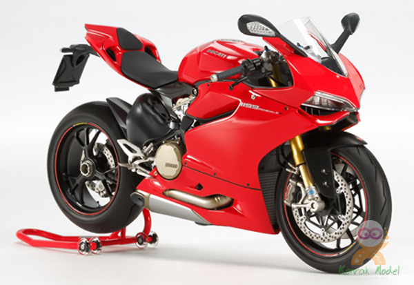 TA21146 1/12 Ducati 1199 Panigale S - Finished Model Red