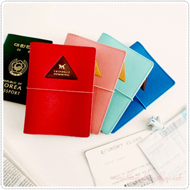 Triangle Humming Passport Case