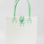กระเป๋า ก้นเหลี่ยม หูสีเขียวพาสเทล ขนาดโดยประมาณ กว้าง 10 cm.ยาว 35 cm.สูง 34 cm.