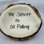 งานวิจัย : การกลั้วปากด้วยน้ำมันมะพร้าว (Oil Pulling Therapy)