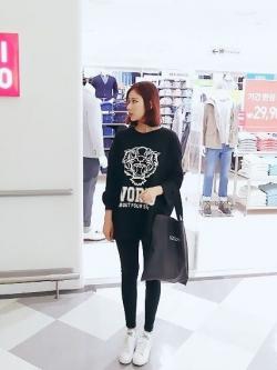 Animal Print Fashion เสื้อตัวยาวสีดำ ผ้า Cotton พิมพ์ลายเสือ