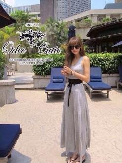 Odee Cutie Korean Style Maxi Dress ชุดเดรสยาวสีเทา แขนกุด