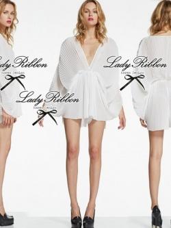 Lady Ribbon จั๊มสูทขาสั้นผ้าชีฟองจับพลีต สีดำ สีขาว