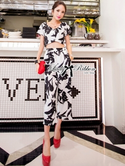 Lady Ribbon Monochrome Printed Ensemble Set