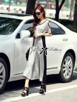 Lady Ribbon Maxi Dress เดรสยาวตัดต่อช่วงไหล่ ทูโทนสีเทาดำ