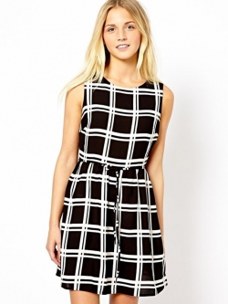 Urban Style Lady เดรสผ้าชีฟองสีดำ ลายตาราง ผูกโบว์ที่เอว