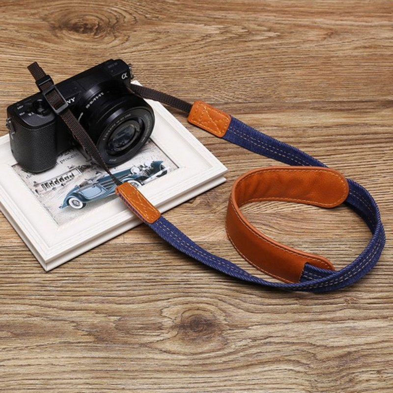 สายคล้องกล้อง A-MoDe CS-Neck strap