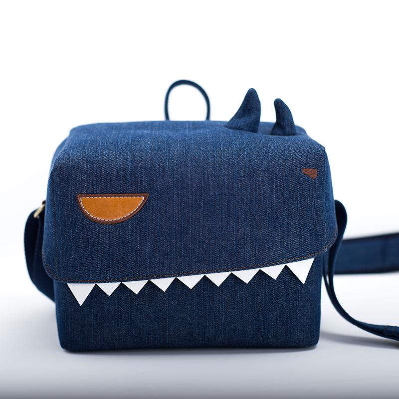 กระเป๋ากล้อง PLUMEMOON Monster