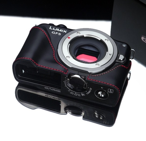 Gariz Leather Half-case for Lumix GF5: Black/Red
