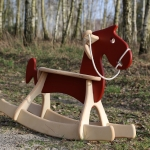 ม้าไม้โยกเยก ของเล่นเด็กเสริมพัฒนาการสำหรับเด็กๆ