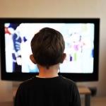 ผลกระทบของการดูโทรทัศน์ต่อพัฒนาการเด็ก